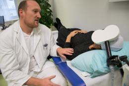 Therapiesitzung mit rTMS