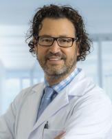Prim. Prof. Dr. Alexandre Pelzer, FEBU