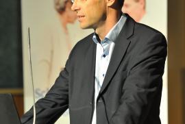 OA Dr. Christof Pirkl informierte über Schulterbeschwerden