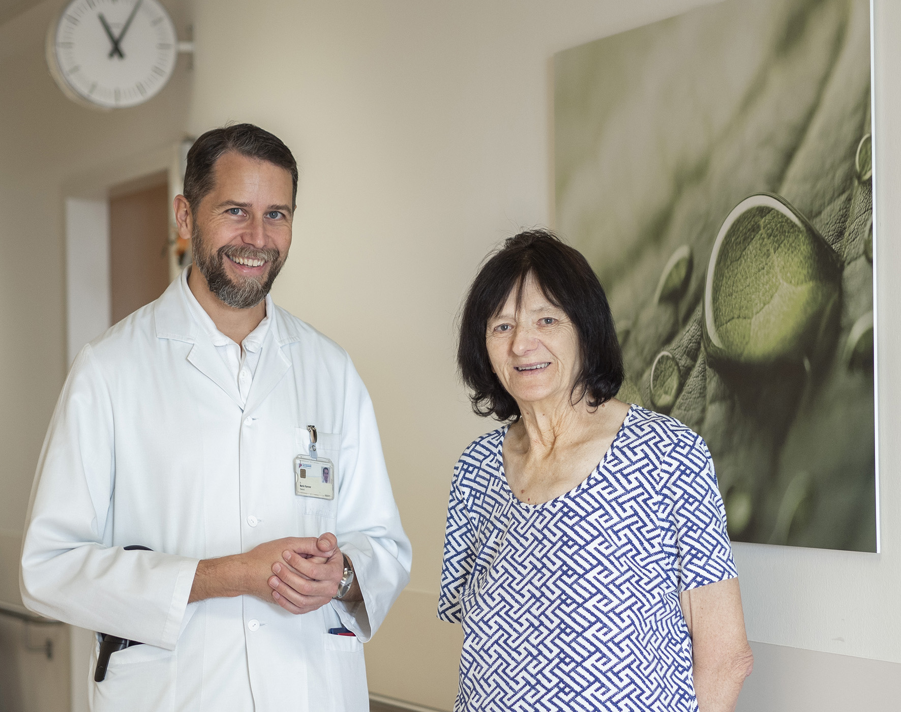 Dr. Martin Rammer mit Patientien Maria H.